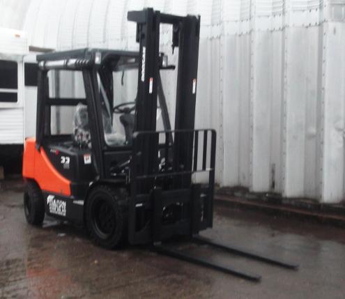 Diesel 3.3 ton capacity forklift