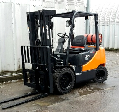 3.0 ton counterbalance forklift