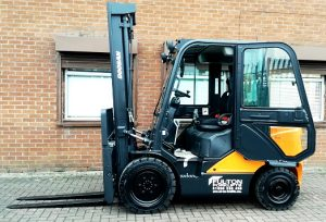 Forklift cabin for winter